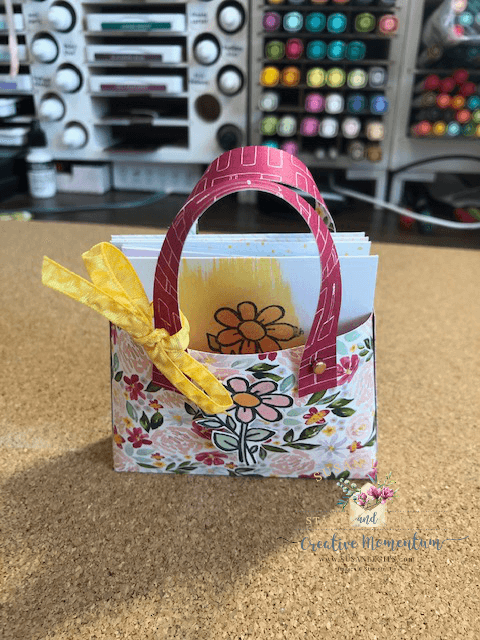 tote with notecards